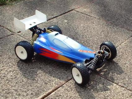 Schumacher Cat 2000 Carbon Chassis