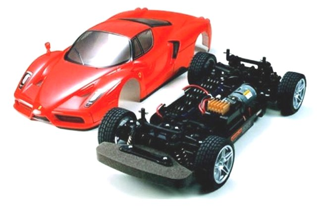 Tamiya Enzo-Ferrari-TT01