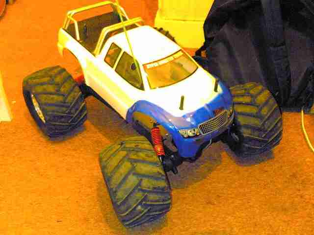 Kyosho Mad Force 2